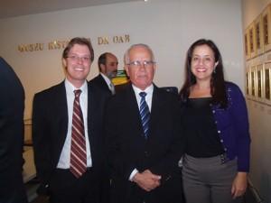 Ministro do TST José Luciano de Castilho Pereira com os autores