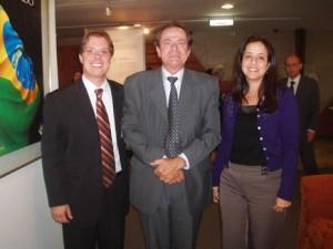Os autores com Cristiano Lins e Silva, filho do homenageado